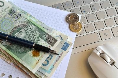 Czy warto korzystać z kalkulatorów oszczędzania?