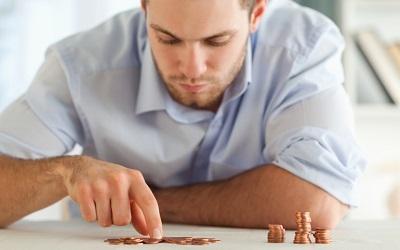 Czy warto oszczędzać pieniądze gdy jesteśmy młodzi?