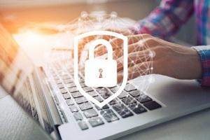 Bezpieczeństwo nie tylko seniora w sieci, czyli o oszustach on-line